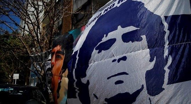 Diego Maradona estava internado em uma clínica em La Plata, na Argentina