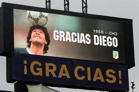 Maradona reconheceu cinco filhos