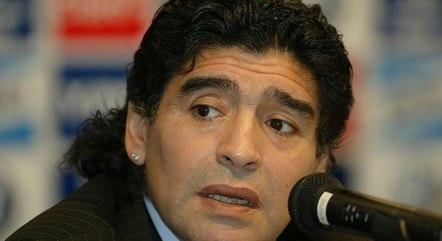 Maradona se recuperava de cirurgia
