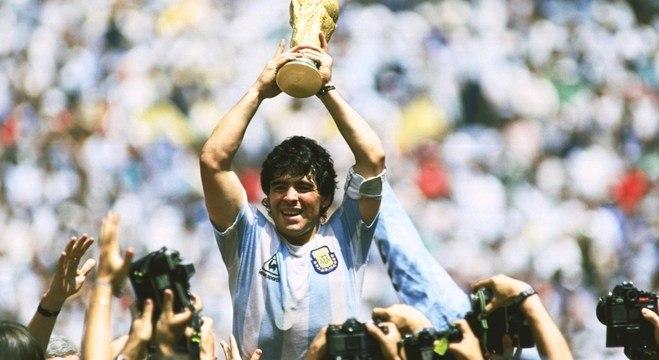 Ninguém fez tanto sozinho como Maradona. Nem Pelé - Prisma - R7 Cosme Rímoli