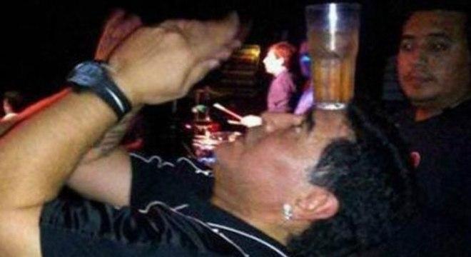 Compulsões de Maradona agora é por álcool, comida e ansiolíticos