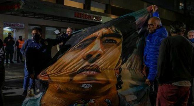 No fim, torcedores em vigília nas ruas de Buenos Aires