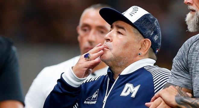 Ídolo da torcida argentina, Maradona deve ter alta do hospital em breve