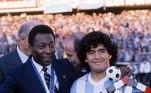 Considerado melhor da história do futebol, Pelé fez questão de homenagear o amigo: