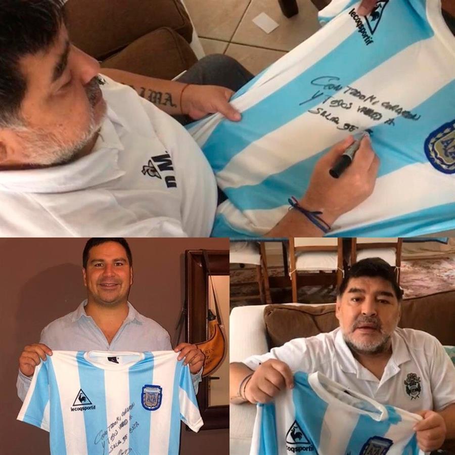 Maradona doou réplica da camisa da seleção campeã mundial em 1986