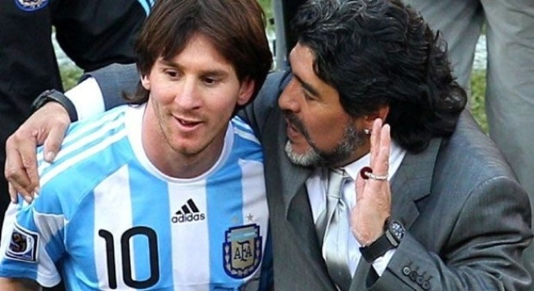Maradona e Messi. O encontro de gênios, na Copa de 2010. A morte de Maradona exige homenagem