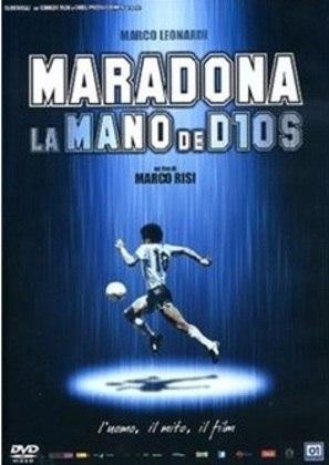 MARADONA, LA MANO DE DIOS (2007) - Dirigido por Marco Leonardi, o filme reconstitui em tom de cinebiografia a trajetória do craque desde que era criança até o momento no qual sofreu infarto em 2000.