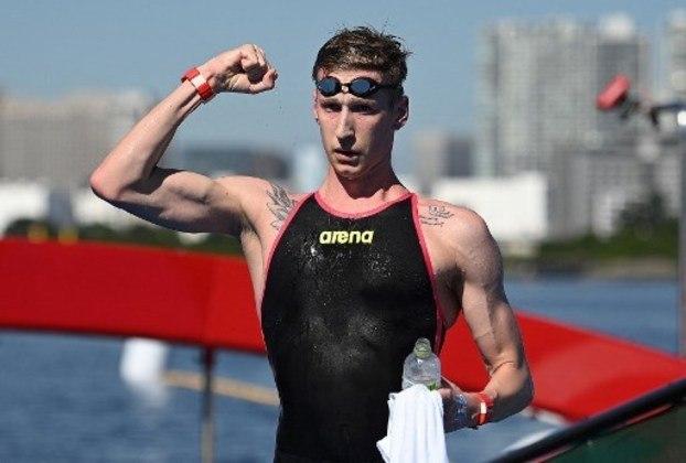 MARATONA AQUÁTICA - Campeão mundial em 2019, o alemão Florian Wellbrock foi medalhista de ouro na maratona aquática 10km masculino, pelos Jogos Olímpicos de Tóquio. Ele fechou a prova em 1h48m33s7 nesta noite, tornando-se o primeiro atleta da Alemanha a ser campeão em águas abertas nas Olimpíadas.