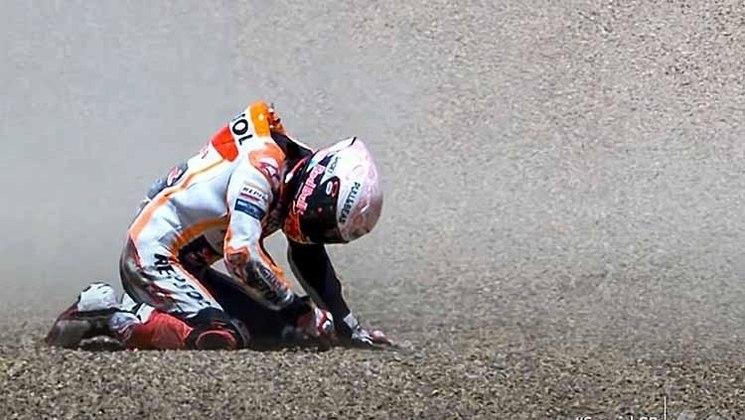 Marc Márquez sofreu uma queda ainda na primeira etapa do ano e perdeu todas as corridas seguintes