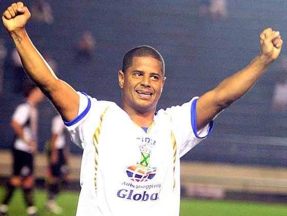 Marcelinho Carioca também entrou na festa da