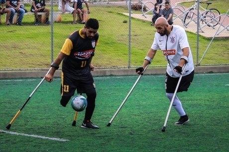 Marcelo, do Corinthians, perdeu a perna aos 26 anos