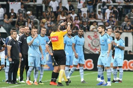 Lima Henrique desmarcou pênalti para Grêmio