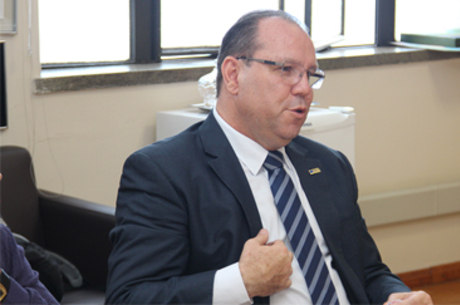 Marcelo de Souza é administrador de empresas e contador