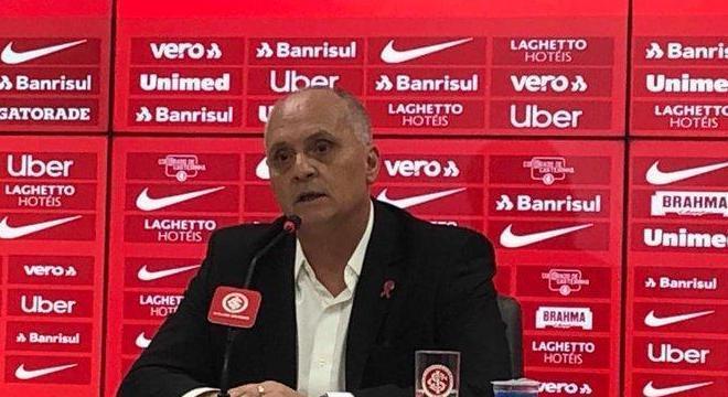 Marcelo Medeiros tem 59 anos de idade