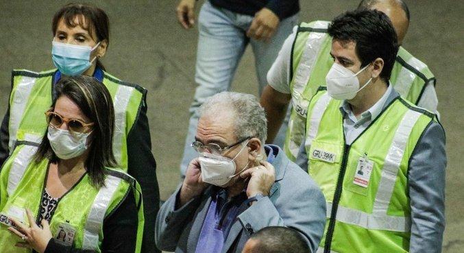 Queiroga esteve no Aeroporto de Guarulhos para recepcionar chegada das vacinas