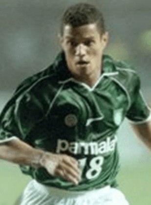 Marcelo Ramos: o atacante atuou por diversos clubes, inclusive o Corinthians, antes de se aposentar em 2012. Anos depois, tentou a carreira na política, se candidatando a vereador.