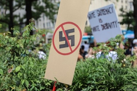 Antifascistas também protestam em Washington