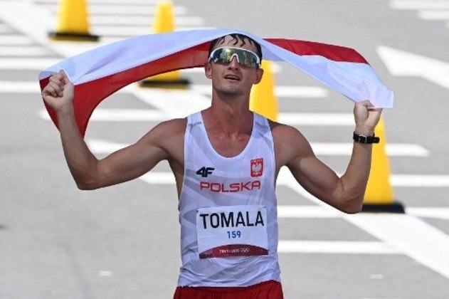MARCHA ATLÉTICA - Na prova dos 50km masculina, o polonês Dawid Tomala chegou em primeiro e conquistou a medalha de ouro. A prata ficou com Jonathan Hilbert, da Alemanha, enquanto o bronze foi ganho por Evan Dunfee, do Canadá.