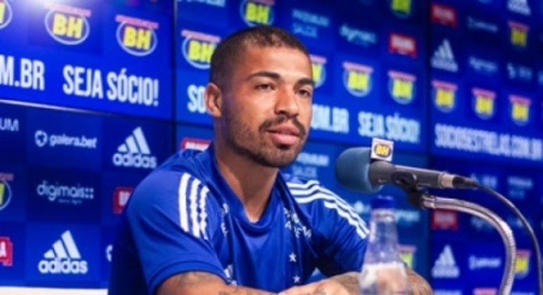 Marcinho chamou a atenção do time celeste pelas boas atuações na Série B