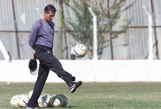 Márcio Bittencourt - Treinou o Corinthians entre maio e setembro de 2005 - 28 jogos