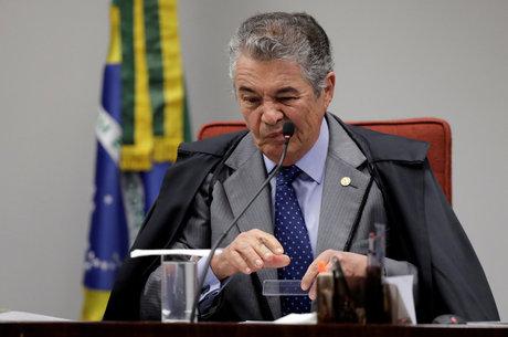 Marco Aurélio diz que só plenário pode derrubar liminar