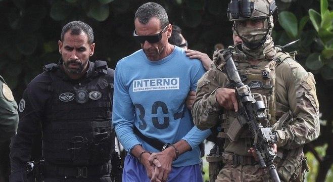 Marcola é escoltado por agentes federais ao chegar em hospital de Brasília (DF)