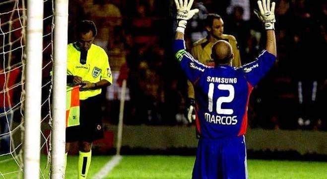 Marcos promete fazer com que Weverton vista camisa 12. Se time ganhar Libertadores