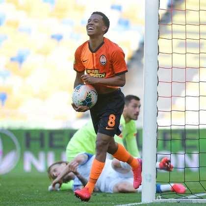 Marcos Antônio - Meio campista revelado pelo Athletico Paranaense e atualmente no Shakhtar Donetsk, custa aproximadamente R$ 31 milhões aos 20 anos de idade.