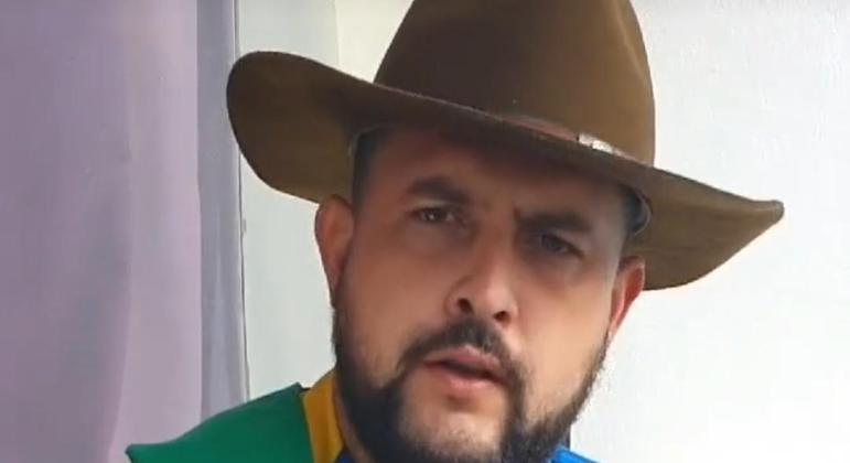 Em vídeo publicados nas redes sociais, Zé Trovão mantém declarações contra o Supremo e incita manifestantes