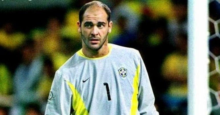 Marcos: defendeu a Seleção entre 2001 e 2005, sendo fundamental na campanha do penta, com Felipão, em 2002. Três anos depois, ganhou a Copa das Confederações com Parreira.