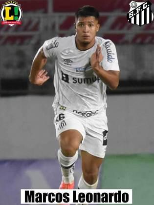 Marcos Leonardo – 5,5 - A bola não chegou, então ele pouco fez.