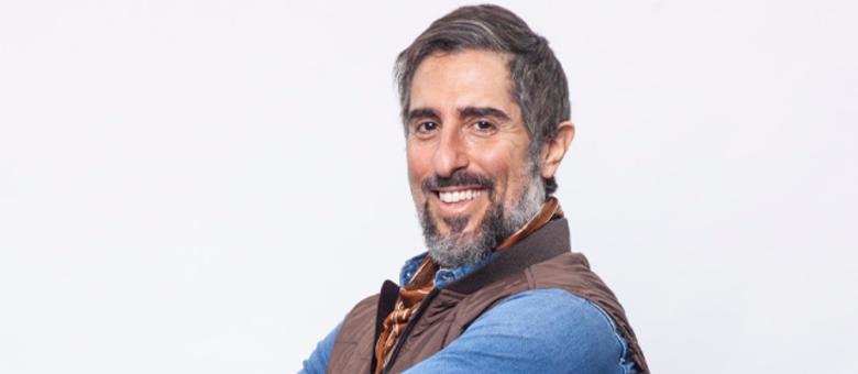 Marcos Mion está à frente do reality A Fazenda