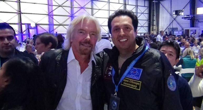 Empresário brasileiro Marcos Palhares fará turismo espacial pela Virgin Galactics