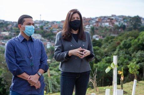 Marcos Pereira ao lado da prefeita Renata Sene