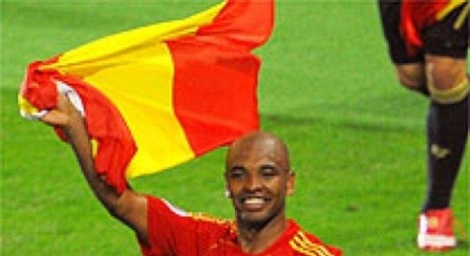 54855549b6 Marcos Senna  o brasileiro naturalizado espanhol defendeu a seleção  espanhola até 2010. Pelos clubes