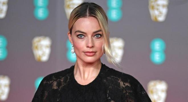Margot Robbie representou Brad Pitt durante a premiação