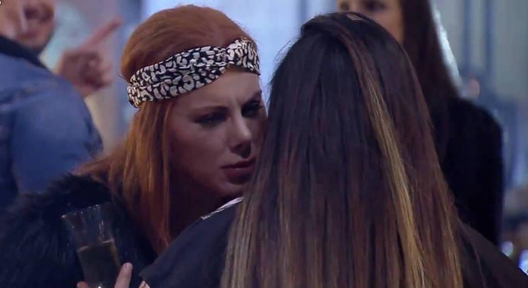 Na Festa Cinema, Deborah e Mari conversam sobre as discussão que tiveram no reality show