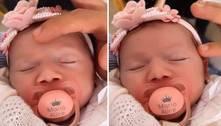 Filha de Virginia ganha chupeta personalizada com o nome dela