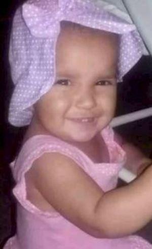 Maria Clara, de 1 ano e 4 meses