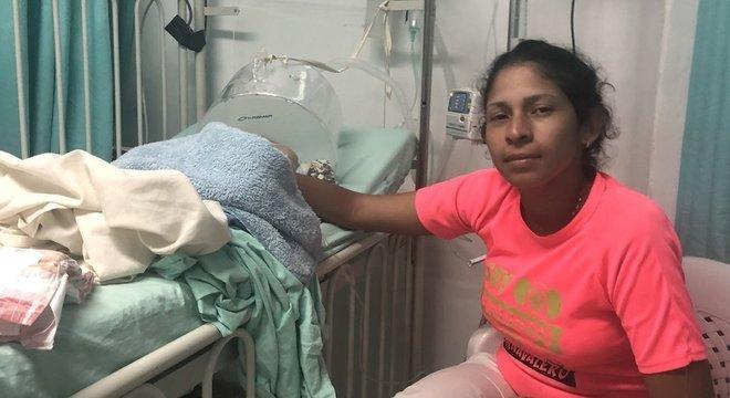 Maria está confiante de que seu filho terá acesso à saúde