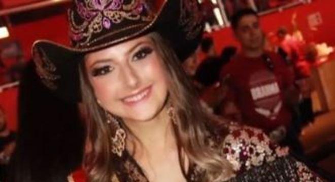 Maria Eduarda, de 21 anos, morreu após descobrir doença rara no fígado