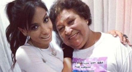 'Se tem direito de imagem, mostra', diz neta de fã de Anitta