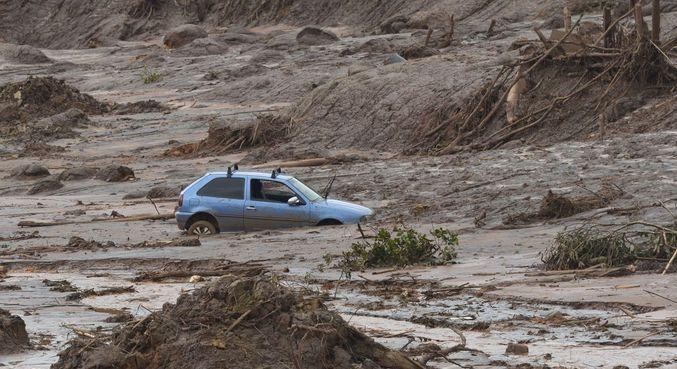 Barragem de Mariana rompeu em novembro de 2015