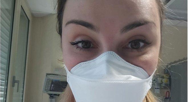 Mariana Dacorégio trabalha como médica na Itália