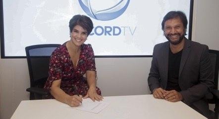 Mariana Godoy assinou o contrato em um encontro com o Vice-Presidente de Jornalismo, Antonio Guerreiro