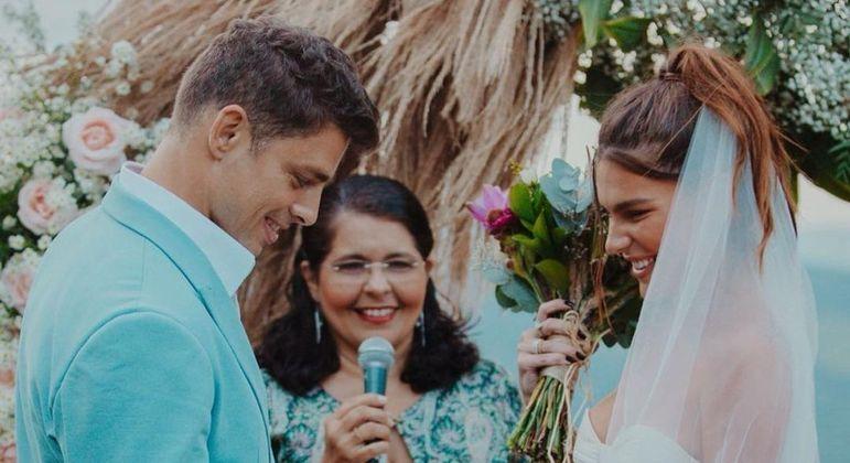 modelo celebrou a data com fotos da cerimônia íntima, em 2019