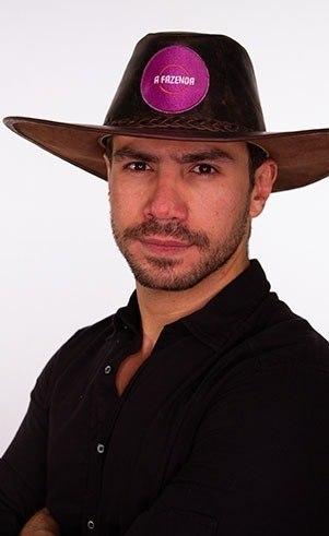 Mariano (): Idade: 33 anosProfissão: Cantor e empresárioOnde nasceu: Campo Grande - MSOnde mora: São Paulo - SP