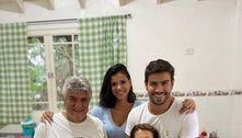 Mariano apresenta Jake para os pais: 'Feliz com tudo isso'