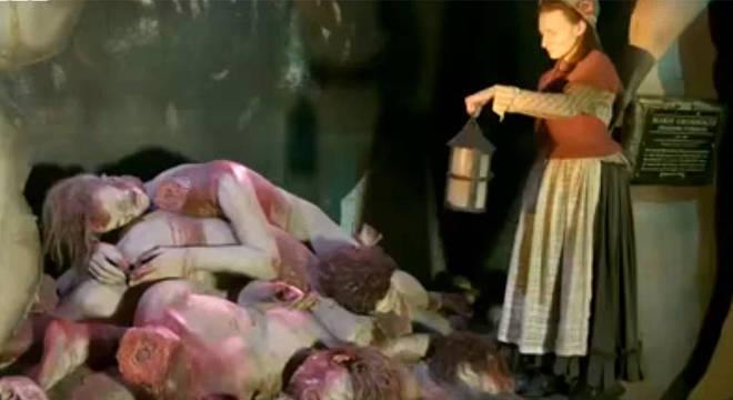 A cena horrenda que Marie descreveu realmente aconteceu: os corpos eram trazidos a ela e ela tinha que fazer moldes e figuras de cera o mais rápido possível
