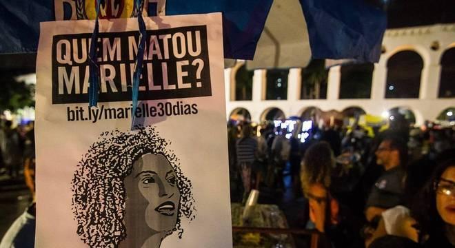 Concentração de ato em memória de Marielle Franco e Anderson Gomes, no Rio